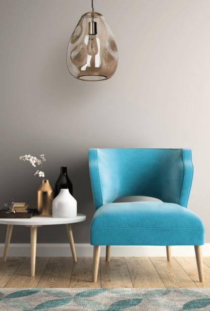 lampa wiszaca szklana - meble do małego pokoju